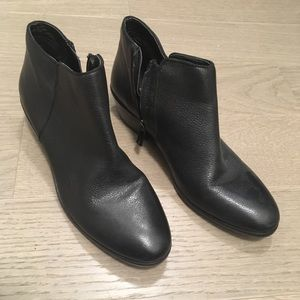 Size 7. Leather Sam Edelman Booties